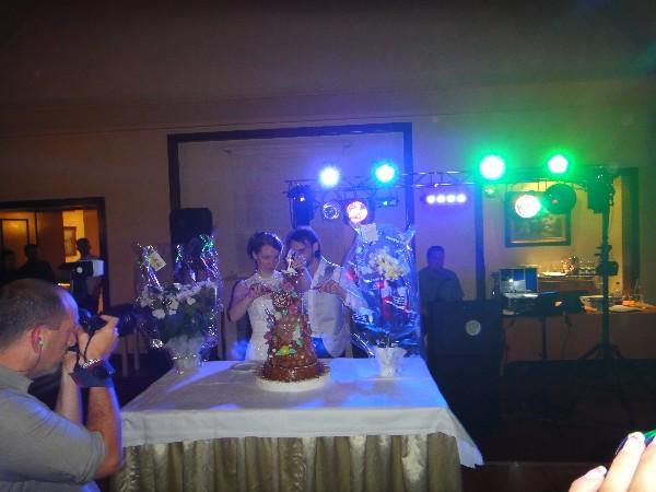 L'arrivée du gâteaux des Mariés !