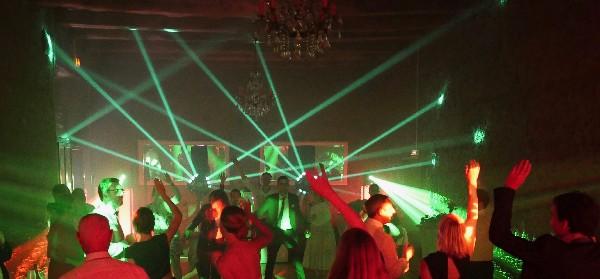 Éclairage de piste de danse pour votre soirée de mariage